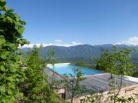 la piscine vue sur la Lauzire